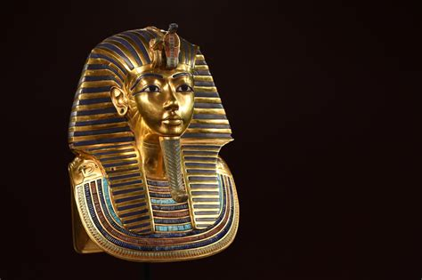 King Tut's beard: Museum staff face negligence charges
