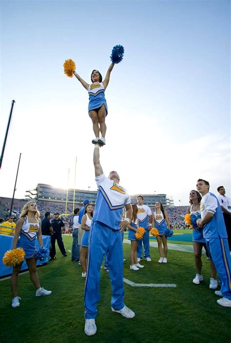 All in good cheer | Daily Bruin