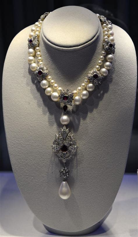 Elizabeth Taylor Auction: Jewelry Shatters Record at $115