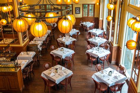 Bourbon House Seafood and Oyster Bar | New Orleans
