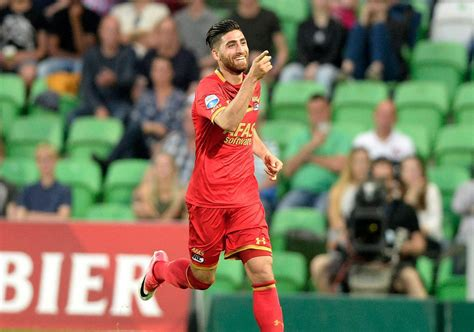 Leicester or Brighton, Jahanbakhsh's Next Team | Financial