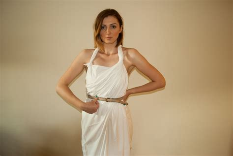 2 Easy Ways to Make a Female Toga (with Pictures) - wikiHow